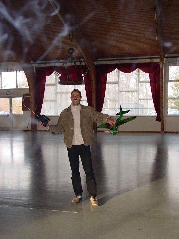 indoor_2003_22_20080124_1366193288