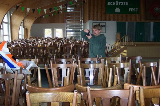 indoor_2003_60_20080124_1209792628