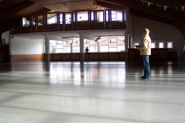 indoor_2003_8_20080124_2006464941